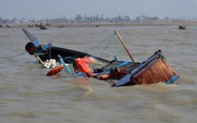 chavirement de pirogue