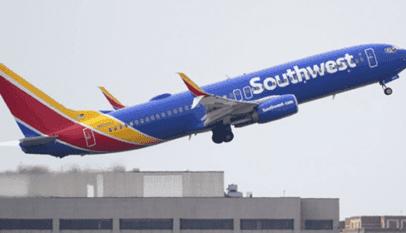 un Boeing 737 atterrit d'urgence
