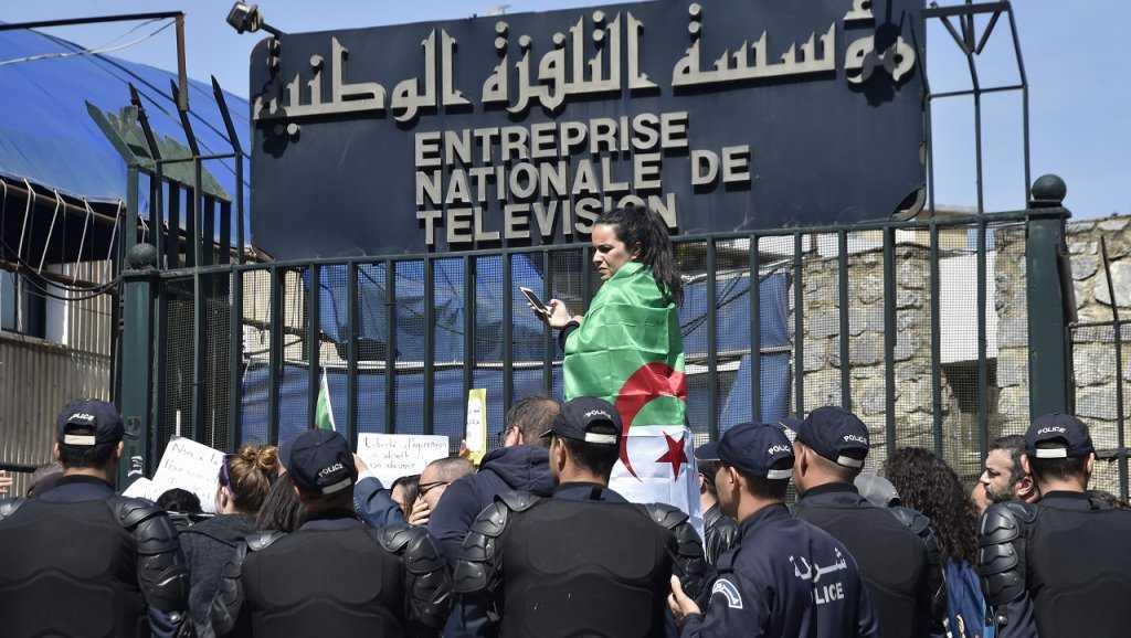 le directeur de la télévision algériene limogé