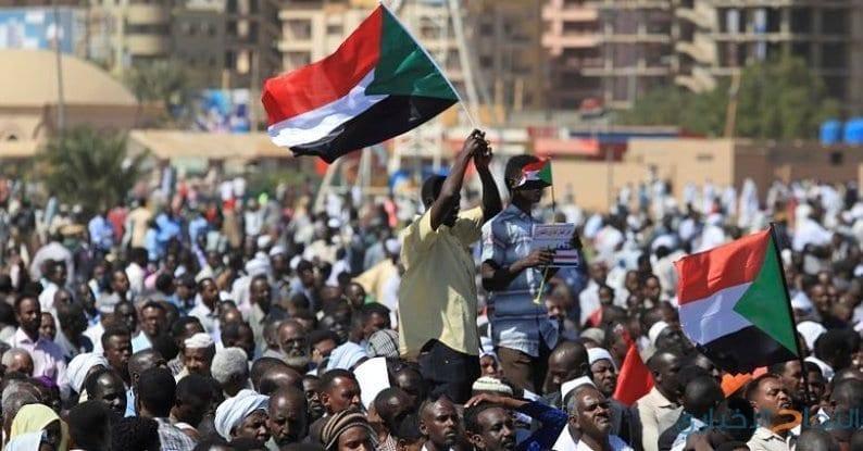 Soudan: Le peuple «nommera un gouvernement de transition»