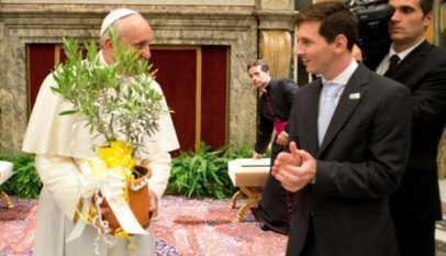 le pape françois parle de messi