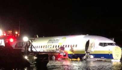 États-Unis: Un Boeing 737 finit dans un fleuve à Floride