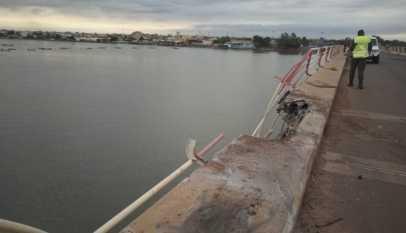 Chute spectaculaire d'un camion sous le pont Emile Badiane: Un corps sans vie repêché